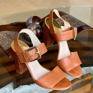 Michael Kors Thelma Leather Sandal in Brown Size 8